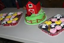 Cakes/Cupcakes / by Amanda Keeth