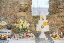 Sweet Candy Table / Sweet Candy Table Hochzeitskonzept moderner Style mit Vintageelementen. Frühlingshochzeit auf der Maisenburg in Hayingen. Hochzeitstorte, Naked Cake, Cupcakes, Cake-Pops aus der Backstube von www.suess-und-salzig.de Mehr Bilder unter http://www.backlinse.de/2015/04/sweet-candy-table-auf-der-maisenburgsonnige-fruehlingshochzeit-auf-der-maisenburg/  Fotos Pinnwand @Ronja Krohz