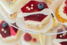 Alternative Hochzeitstorten / Statt klassischer Hochzeitstorte...Naked Cake, Cupcakestower, Moussetörtchen mehr Inspirationen unter www.suess-und-salzig.de / by suess-und-salzig Torten- & Patisserieservice