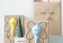 GIFT WRAPPING | DIY / Einfach Geschenkpapier drum und fertig? Wer mehr Ansprüche als nur das hat, für den haben wir die schönsten Ideen zum Geschenke verpacken gesammelt. Kreative Bastelanleitungen, DIY-Ideen und Tipps sorgen dafür, dass dein Geschenk auch so liebevoll eingepackt ist, wie es ausgesucht wurde.