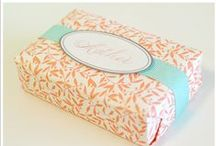{wrapping gifts-bow}