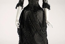 Funky/Victorian/Gothic Clothing / by Leslie Flath