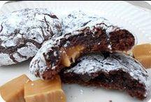 Bucket List - Food - Cookies / by Georgie Kearns