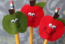 Apples / All things apples for your classroom. The very best apple printables, apple crafts, and apple learning with kids!