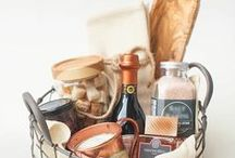 Inspiration: Gifts to Give / Homemade from your kitchen | Gifts to give for the holidays, Christmas | in a jar , basket , mug and more