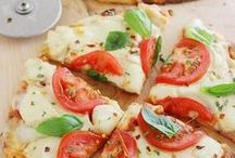 Homemade Pizza Pie Recipes / Pizza recipes of all varieties, toppings and shapes. Yeast, pita, homemade, simple and more.