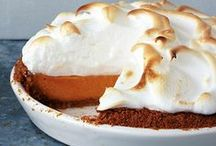 Gather for Thanksgiving Meal / Best Recipes and Hosting Tips for Thanksgiving Dinnner Turkey | Sweet Potatoes | Pumpkin Pie | Cranberry |