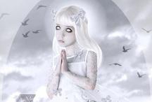 ART GALLERY : WHITE / Porcelain skin tones... fragile in white