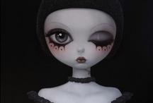 ART GALLERY : BLACK / Ladies in Black...
