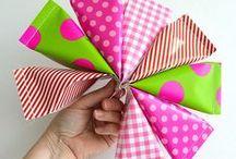 Knutselen met papier ♥ DIY with paper Moodkids / Voor kinderen: knutselen met papier, vouwen, knippen en plakken. Zelf kleurplaten maken, envelopjes maken. Voor vaderdag en moederdag. Maak zelf kadootjes voor een verjaardag of een freestje en pak ze heel mooi in. Wat dacht je van leuke traktatiezakjes om uit te delen of zelf bloemen maken van papier. / by MoodKids