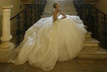 Say Yes To The Dress / Wedding dresses / by Yasmine Barghouty