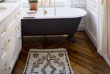 Bathroom Love / Ideas and Inspiration For Bathroom Decorating