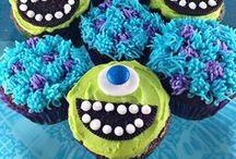Cupcakes / by Nicole Banuelos