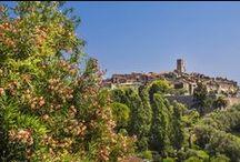 Camping Les Pinèdes, La Colle / Loup French Riviera / Le Camping les Pinèdes vous séduira par sa situation géographique au centre de tous les pôles touristiques de la Riviera Côte d'Azur, entre mer (7km) et montagne (Les Gorges du Loup 10 km). Dans un environnement ou la végétation a toute sa place, vous profiterez d'un cadre idyllique au milieu de plus de 60 variétés d'arbres. Son ambiance familiale et ses nombreux équipements de qualité contribuent à faire de ce domaine aux couleurs de #Provence un véritable coin de paradis.