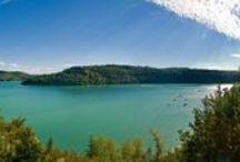 Camping Beauregard, Mesnois Jura / Un parc de 6 hectares, offrant une vue panoramique verdoyante exceptionnelle, dans un cadre agréable de calme et de verdure, pour des vacances au goût de bonheur et de fraîcheur, nous vous proposons un grand choix de location et d'emplacements spacieux délimités par des haies, mi-ombragés en harmonie avec la nature.Une fois installé, partez à la découverte d'une région encore méconnue ! #Jura