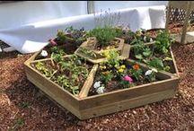 Le coin des jardiniers ! / Vous aimez passer du temps à jardiner et profiter de votre extérieur ? OOGarden vous propose une large gamme d'outils de jardinage : serres, tondeuses, motobineuses, récupérateurs d'eau, outillages, etc. Tout ce dont peut avoir besoin votre jardin se trouve chez OOGarden !