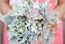 {Bouquets} Grey & Silver