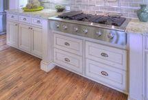 Kitchens / by Charlotte Chumlea Giordano