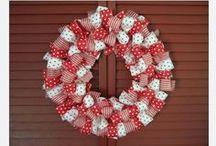 Wreaths / by Kimmie Doyle