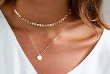 Jewellery: Necklaces.