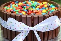 Food - Desserts, Sweet Dips & Sweet Snacks / by Kim Davis