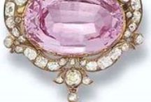 Vintage Treasures - Magnificent Jewellery / The Bling bling of Kings and Queens.