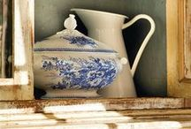 Blue and White to the Table / Vintage or modern blue and white dinnerwear. Lovely.