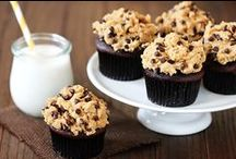 Desserts: Cupcake Craze / Various Cupcake Recipes / by Jordan Michelle