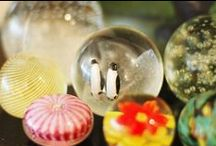 Life in a Bubble / The Art of Glass Paper Weights.
