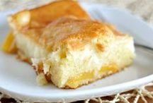 Peaches & Cream Desserts / Peaches & cream is a simple and delicious summertime dessert!