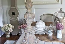 Paint - Waxes & Glazes /  How to use finishing waxes and glazes.