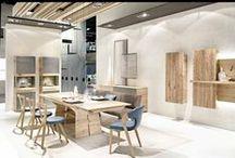 Meubles en bois de chêne ou noyer / Si vous cherchez une façon de réchauffer votre intérieur tout en gardant une certaine sobriété et de grands espaces. N'hésitez plus et aménagez votre intérieur avec du mobilier en bois contemporain !