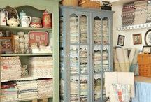 Fantasy Craft Room / Beautiful inspiration for your dream craft room
