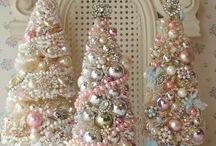 Christmas Decor & Ideas / Ideas for Christmas Decor, celebrations and traditions