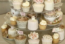 Cakes and cupcakes / by Fernanda Marfil
