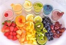 Juicing & Smoothie Recipes / by Hannah Leckie