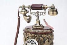 Điện thoại giả cổ / Sản phẩm được thiết kế theo phong cách giả cổ với chất liệu mạ đồng cao cấp. Có chức năng như điện thoại bình thường. Sản phẩm đã có mặt tại gian trưng bày sản phẩm Táo Decor, Tầng 3, 91 Lý Thường Kiệt, Hà Nội Xem thêm sp tại: http://taodecor.vn/ Hotline: 0936796898 (Mr Linh) Chính sách bán hàng online nhà Táo Decor: http://taodecor.vn/gioi-thieu/