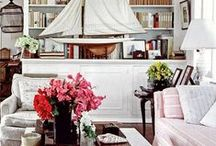 Library love / Whether a cozy nook or a grand room, dedicating a place for the decadent pleasure of reading adds dimension to any home.