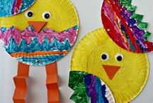 Easter Art Projects / Here are some great ideas on how to make fun and easy art with the kids for Easter! www.thecoveschool.com