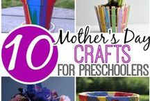Handmade gifts for Mom / Easy gifts that kids can make for their moms on Mother's Day. www.thecoveschool.com