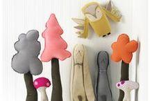 dolls & stuffed animals >>