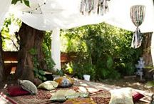 Beautiful eastern meditation spaces / Beautiful shabby chic, eastern, and hippy luxe meditation spaces.