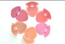 Too Faced Love Flush Long-Lasting Blush / Flush all day and night with the blush of true love. The long-wear, fade-proof, smudge-proof formula keeps your cheeks perfectly flushed for up to 16 hours. Pigment-rich, high-impact shades give a pretty pop of color for any skin tone.