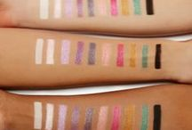 Glitter Like You Mean It / Step into your very own glitter lab and experience an explosion of creativity with 8 sparkly prismatic Glitter Bomb shades. Use the white and black matte bases to brighten or intensify the glitters or apply them wet for a liquid crystal-like finish. Who says you can't wear glitter to breakfast?