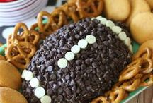 Football Fun / Are you ready for some football? Snack and drink ideas that are great for game day! Get inspiration for your Super Bowl Sunday party!