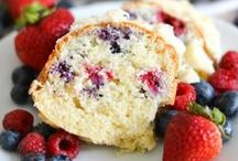 Typically Simple Recipes / Recipes for food and drinks that taste delicious! Breakfast ideas, dinner recipes, appetizers and desserts.