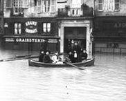 Paris : la crue de 1910 / Photographies d'agences de presse sur la crue de 1910 à Paris