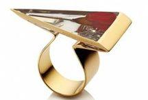 Shopping / Glamour selecteert voor jou de fijnste items van dit moment. / by Glamour Nederland
