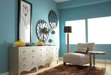 Set the Scene / Helpful staging tips for showing your home in its best light.