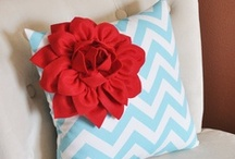 Turquiose and Red / All things turquoise/teal and red... / by Erin Dubrow